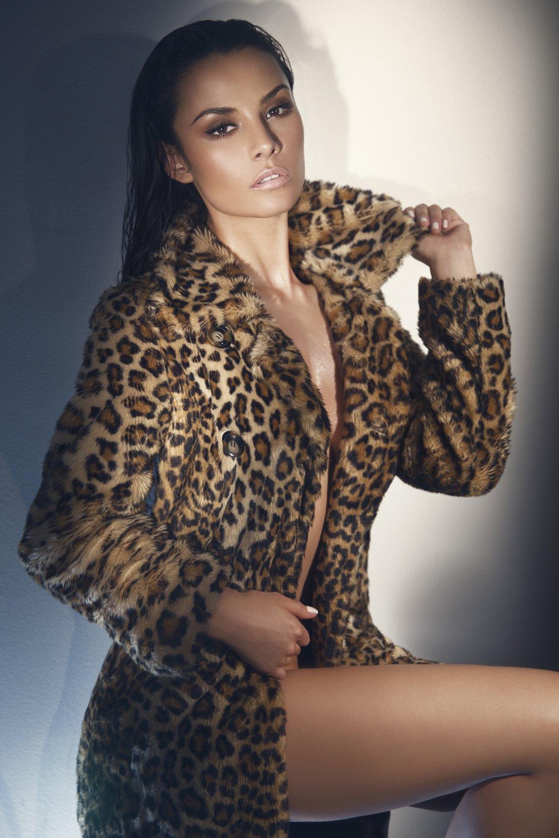 Penelope Saenz Nude Photos 15